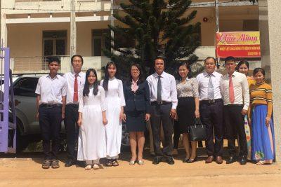 Đón tiếp Thứ trưởng Hoàng Thị Hạnh, Phó chủ nhiệm Ủy ban Dân tộc đến thăm và chúc tết