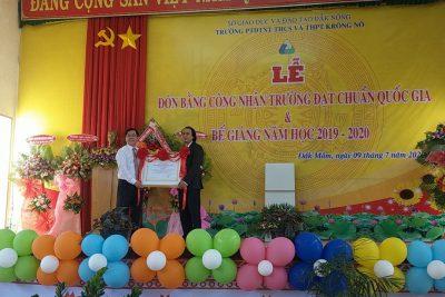 Đón nhận Bằng công nhận đạt chuẩn Quốc gia và Bế giảng năm học 2019-2020