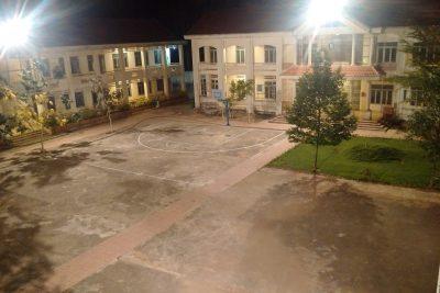 Cảnh trường về đêm
